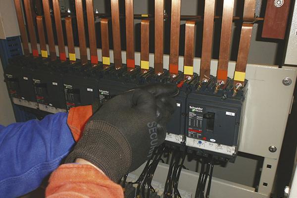 mantenimiento-equipos-electricos-subestacion